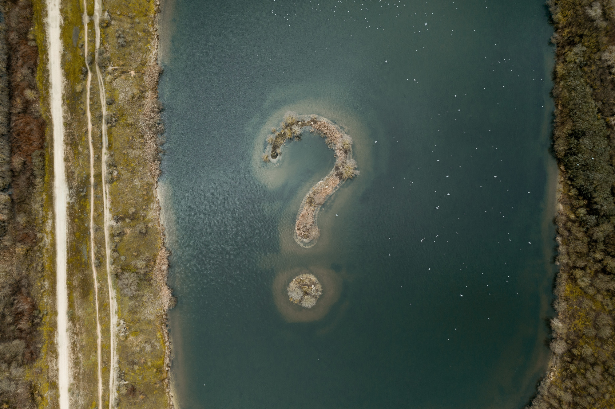Picture of an island in the shape of a question mark