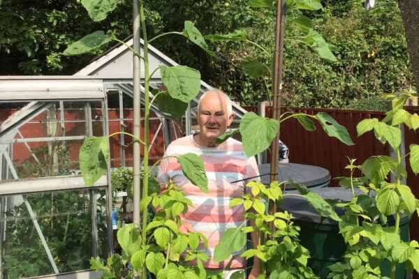 Graham Allcock wins second prize in the Big DEEP Sunflower competition 2021
